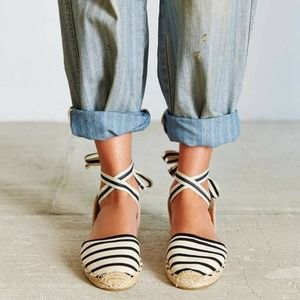 Soludos Classic Stripe Ankle Tie Sandal D'orsay